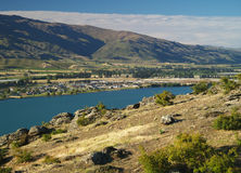 Lake Dunstan. And mountains above, Central Otago, Cromwell, New Zealand Royalty Free Stock Image