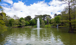 Lake with fountain in Retiro Park in Madrid Royalty Free Stock Photos