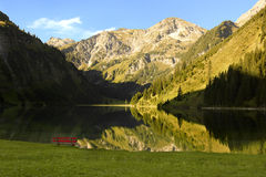 Lake i alpsna Royaltyfri Fotografi