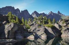 Lake i bergen Arkivfoton