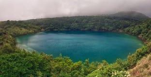 Lake i Kirishima royaltyfria foton