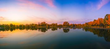 Free Lake In Autumn Stock Photography - 106129702