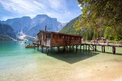 Lake Lago di Braies,意大利 图库摄影