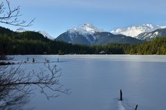 Lake Levette and Tantalus Range in winter Stock Photography