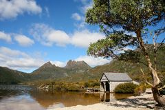 Lake lille. Cradle Mountain and DoveLake, Tasmania, Australia Royalty Free Stock Images