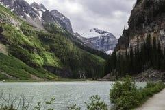 Lake Louise du chemin de marche Images libres de droits