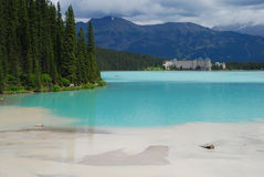 Lake Louise för regnet Arkivfoto