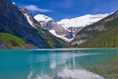 Lake Louise turkosvatten Fotografering för Bildbyråer