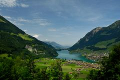 Lake Lungern Arkivfoto