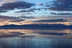 Lake Manasarovar (Mapam Yumco) at the sunset, Tibet Stock Photography