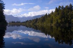 Lake Matheson. Lake Metheson in the early morning Royalty Free Stock Photography