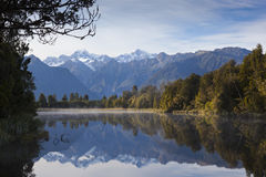 Lake Matheson, New Zealand Royaltyfri Fotografi