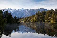 Lake Matheson, New Zealand Royaltyfria Foton