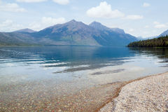 Lake McDonald in Glacier National Park in the early morning. Mon Stock Photo