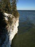 Lake Michigan klippor i vinter Arkivbilder