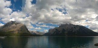 Lake minnewanka bannf mountains view Royalty Free Stock Photography