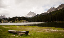 lake at Misurina WITH LAVAREDO AND TOFANE Royalty Free Stock Photography