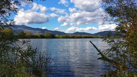 Lake with mountain panorama Royalty Free Stock Photos