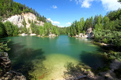 Lake in the national park of Adrspach Royalty Free Stock Photos