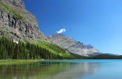Lake och berg Fotografering för Bildbyråer