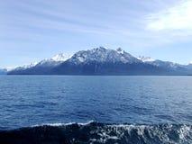 Lake och berg Arkivfoton
