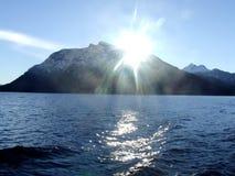 Lake och berg Arkivbild