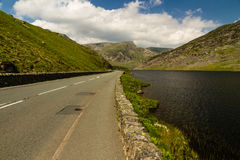 Lake Ogwen and the A5 road Royalty Free Stock Images