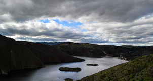 Lake på berg Arkivfoto