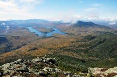 Lake Placid och Whiteface berg, New York fotografering för bildbyråer