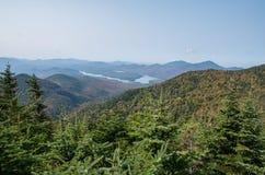 Lake Placid vom Gipfel auf wenigem Whiteface in Wilmington NY Lizenzfreie Stockfotografie