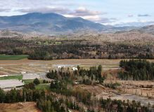Lake Placid-Vororte mit Whiteface-Berg Lizenzfreies Stockfoto