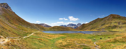 Lake in pyrenees Royalty Free Stock Photo