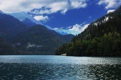 Lake Riza, Abkhazia Arkivbild