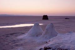 lake sahara salt tunisia Arkivbilder