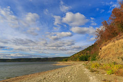 Lake shore in nice autumn day Royalty Free Stock Images