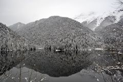 Lake in the snowy mountains Royalty Free Stock Photos