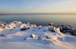 Lake- Superiordezember-Abend-Leuchte Stockbilder