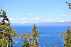 Lake Tahoe加利福尼亚美好的湖视图 库存照片