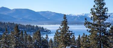 Lake Tahoe snöar först Fotografering för Bildbyråer