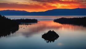 Lake Tahoe soluppgång royaltyfria foton
