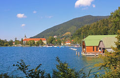 Lake tegernsee with castle and boat houses Stock Photography