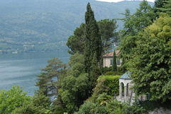 Lake view. Houses with a view on lake lugano Royalty Free Stock Photos