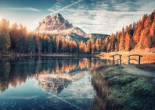 Free Lake With Reflection In Mountains At Sunrise In Autumn Stock Photo - 195019440