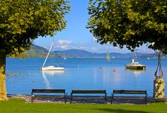 Lake Worthersee, Velden, Austria. Beautiful and scenic Lake Worthersee provides a gorgeous backdrop for the resort City of Velden in Austria Stock Photo