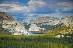Mountain lake in Yosemite National Park Royalty Free Stock Photography