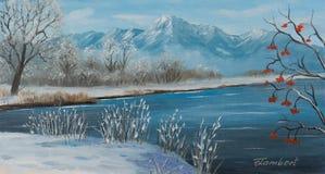 Lakeland im Winter mit Bergen im Hintergrund
