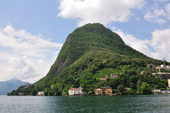 lakelugano berg salvatore san switzerland Royaltyfri Foto
