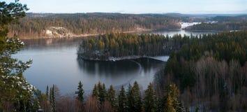 Lakepanorama i Finland arkivfoto