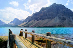 Lakeplats i de kanadensiska Rockiesna Royaltyfri Fotografi
