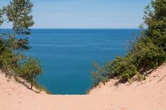 lakeshore nationella föreställda rocks Arkivfoton